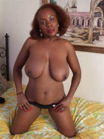 Mature Black Woman Shamelessly Spreads Her Pussy Lips And Shows Her