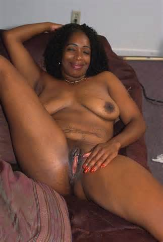BBW Fat Mature Old Black Model With Nice Pussy TGP Gallery 12703