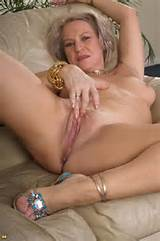 Hot Mature PussyHorny Mature Women And MILFs Looking For Young Men Or