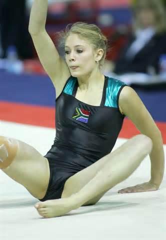 Pussy Gymnast 104