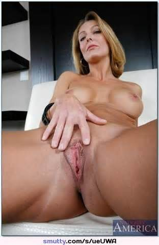 Mom Milf Cougar Pussy Shaved Tits Smutty Com