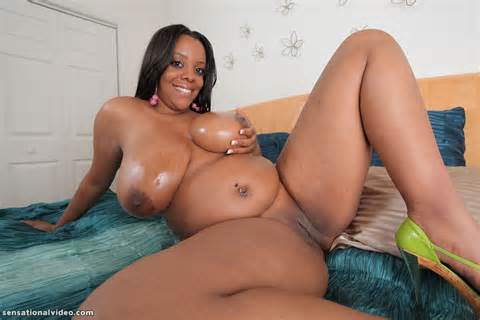 Smiley Chubby Ebony BBW Spreads Pussy Bbw Solo Gallery Fat Pics
