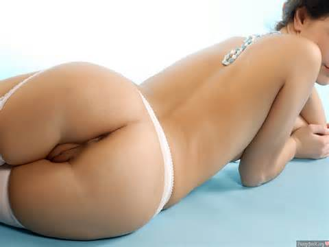 Nude White Butt Big Pussy Between Buttocks Nude Female Photo