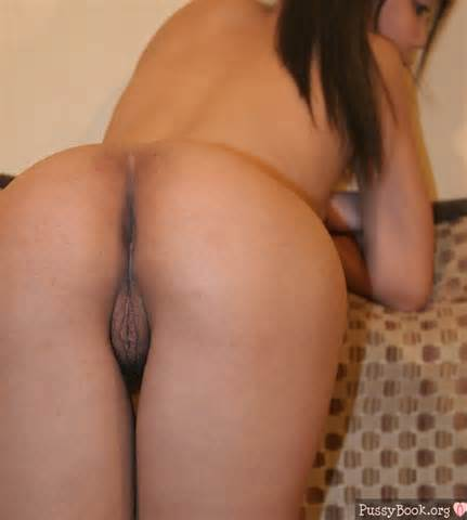 Asian Butt Big Pussy Nude Female Photo