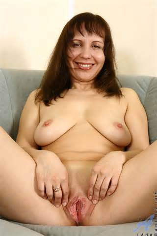 Mature Woman With Juicy Shaved Pussy Takes Off Her Black Clothes And