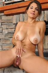 From New York City In High Quality Mature And MILF Pictures And Movies