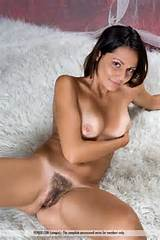 Trimmed Hairy Ladiesgarden Carpeted Pussy Wideopenlegs Tanned