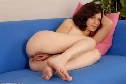 16 Very Loose Jpg In Gallery Loose Lucie And Her Big Gaping Pussy