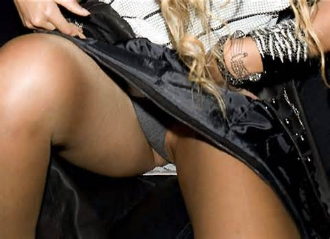 24 2009 At 600 436 In Beyonce Knowles Pussy Upskirt Next