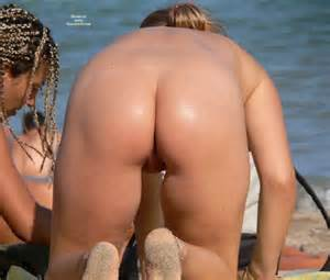 Pussy Lips And Ass Beach Voyeur From Behind Candid Voyeur Nudes